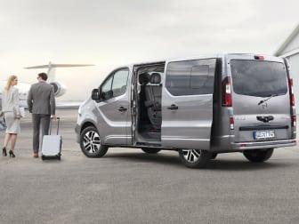 Opel Vivaro Tour: conforto nos negócios ou em férias